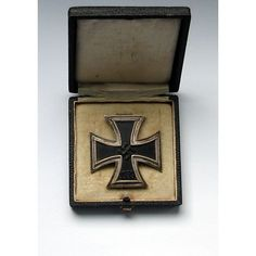 WW2 German Iron Cross 1st Class in original box. Marked L/11 for Wilhelm Deumer. Listing in the Medals, Pins & Ribbons,Germany,Original Period Items,World War II (1939-1945),Militaria,Collectables Category on eBid United Kingdom | 157364276