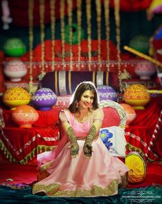 Divyanka tripathi's mehendi ceremony took place today and the pictures are amazing. Take a look!