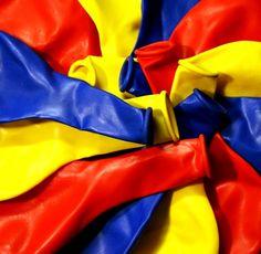 Amarillo, Azul y Rojo.  Colombia, Ecuador y Venezuela.