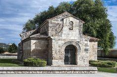 https://flic.kr/p/Be1Gc8 | Basílica de San Juan de Baños, s VII | La Basílica de San Juan de Baños, situada en Baños del Cerrato (Palencia, España), se construyó por orden del monarca visigodo Recesvinto en agradecimiento a su curación de una dolencia renal tras beber agua del manantial que brota en el lugar. Se consagró en el año 661, es de estilo visigodo y el templo cristiano más antiguo de España de los que se conservan íntegros y, junto a la zamorana de San Pedro de la Nave, es la obra…