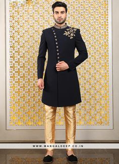 Authentic splendor will come out as a outcome of the dressing trend with this black color men's indo western suit . It come with matching bottom. Note: mala, mojdi and safa(turban) only for photoshoot. Sherwani For Men Wedding, Wedding Dresses Men Indian, Mens Sherwani, Wedding Dress Men, Wedding Suits, Asian Men Fashion, Mens Fashion Suits, Mens Dress Outfits, Men Dress