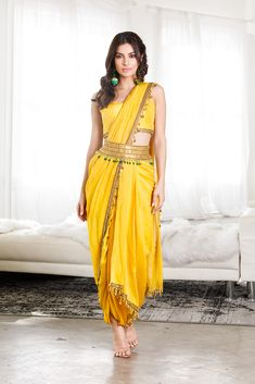 Indian Fashion Dresses, Dress Indian Style, Indian Designer Outfits, Indian Wear, Fashion Outfits, Saree With Pants, Saree With Belt, Indian Wedding Outfits, Bridal Outfits