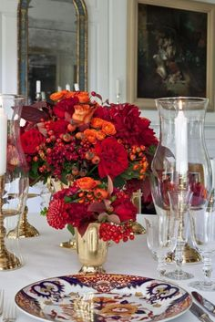 Beautiful arrangement for a Thanksgiving or Christmas table. Thanksgiving Centerpieces, Holiday Tablescape, Beautiful Table Settings, Fall Table, Deco Table, Decoration Table, Flowers Decoration, Dining Room Table, Dining Rooms