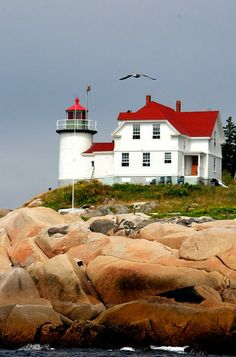 Heron Neck Light on Green's Island, Vinalhaven, Maine, U.S A small, lovely island off the coast of mid-coast Maine. New England Lighthouses, Maine Lighthouses, The Places Youll Go, Places To Go, Lighthouse Pictures, Beacon Of Light, Usa Tumblr, Am Meer, Belle Photo