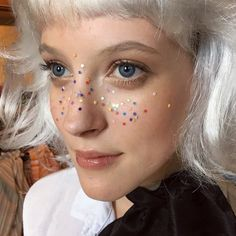 9 Ways Glitter Freckles Can Actually Enhance Your Beauty Routine | Brit + Co