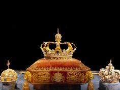 Incredible Crown Jewels From Around The World - Bavaria (Now Germany): In 1806 when Napoleon re-ordered the European map, he granted the German duchy of Bavaria kingdom status. The new King of Bavaria, Maximilian I, commemorated the event by ordering that crown jewels be made for the country's new monarchs. The crown was decorated with rubies, diamonds, emeralds, sapphires, and pearls. Today, the crown jewels are on show in the treasury of the Residenz palace in Munich.