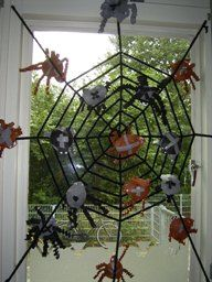Autumn Crafts, Halloween Crafts For Kids, Arts Ed, Window Art, Fall Diy, Little Darlings, Trick Or Treat, Activities For Kids, Arts And Crafts