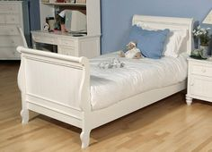 The Summer Breeze Sleigh Bed (Twin Size)