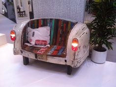 Sofa mal anders! Nehmt Platz im Shabby Auto Sofa.