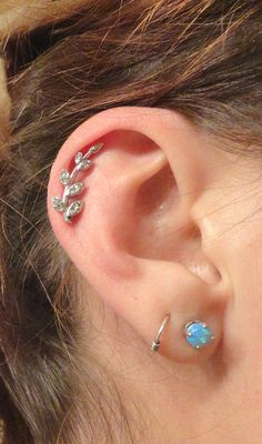 HAMSA Prong set Flat Back Studs Labret – earring/Tragus bar/Forward Helix/Conch/Monroe/Medusa/Philtrum/Ear Lobe/lip piercings - Custom Jewelry Ideas Ear Piercing Helix, Piercing Implant, Daith Piercing Jewelry, Ear Peircings, Cartilage Earrings, Stud Earrings, Body Piercing, Tongue Piercings, Cartilage Piercings