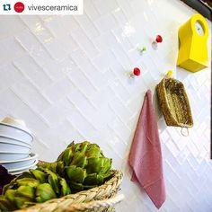 #Repost @vivesceramica with @repostapp.  #vives #vivesceramica #newcollection #fusion #cersaie2015 #allyouneedistile #azulejos #tiles #tileaddiction #iliketiles #ilovetiles #white #amantesdelosazulejos #walltiles #yellow #kitchen #kakel #kök by miljoagenturer