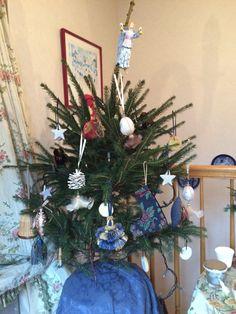 クリスマスツリーにタッセルを飾るのも素敵です。2014年クリスマスフェア ***フェルメール パッサマネリア ~京都 下鴨のタッセル専門店~ http://blog.livedoor.jp/passamaneriavermeer/