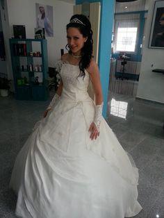"""♥ Designer Brautkleid """"Schwanenprinzessin"""" mit Incl. 9 er Ring Reifrock  Größe 36 ♥  Ansehen: http://www.brautboerse.de/brautkleid-verkaufen/designer-brautkleid-schwanenprinzessin-mit-incl-9-er-ring-reifrock-groesse-36/   #Brautkleider #Hochzeit #Wedding"""