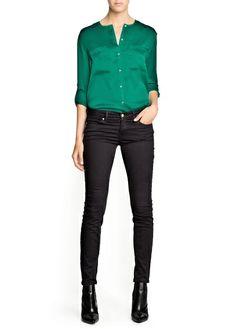 Love that emerald green shirt <3