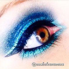 Maquiagem feita pela beauty artist americana @rachelrenemua usando os seguintes produtos da NYX: Jumbos Milk e Peacock, Liquid Crystal Liner Jade, Mechanical Eye Pencil Aqua Green, Glossy Black Liner e delineador The Curve