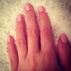 Jessica Geleration - nails nails nails nails pink is my fave!