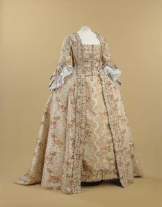 Robe a la francaise, From the Musee Galliera 18th Century Dress, 18th Century Costume, 18th Century Fashion, Vintage Outfits, Vintage Gowns, Vintage Mode, Rococo Fashion, 1800s Fashion, Vintage Fashion
