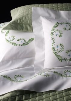 Bespoke bed linens by Léron. Versailles bed linens from the Garden of Earthly Delights collection.