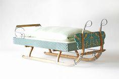 Vintage Betten - Kinderbett Prinzessin - zeitgereift - ein Designerstück von…