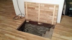 ouverture d 39 une trappe de cave avec un v rin lectrique ces trappes peuvent tre encastr es. Black Bedroom Furniture Sets. Home Design Ideas