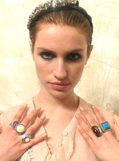 Tali Lennox's style choices