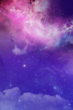 Latar belakang awan awan berwarna ungu Poster latar belakang