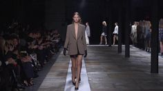 THEYSKENS' THEORY F/W 2013-2014 RUNWAY SHOW - Commentary by Olivier Theyskens and Emily Weiss (www.intothegloss.com).