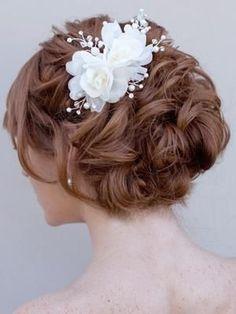wedding hair style - up style