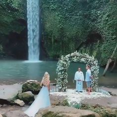 "LEBANESE WEDDINGS on Instagram: ""Wedding For Two 🖤🖤 yay or nay !? _____________________ #LebaneseWeddings"" Lebanese Wedding, Wedding Videos, Wedding Moments, Videography, Waterfall, Instagram Wedding, In This Moment, Bride, Outdoor"