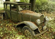 1931 Desoto on Bald Peak near Laurelwood, Or.* For a member who wanted the location, Cady Rd. Abandoned Cars, Abandoned Mansions, Abandoned Places, Abandoned Vehicles, Abandoned Buildings, Old Pickup Trucks, Rusty Cars, Vintage Trucks, How To Take Photos
