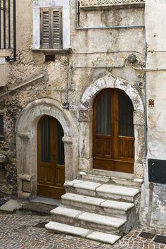 RoyalAuto, May, 2016. Explore Abruzzo's valleys. Photo: Don Fuchs. #Italy #Abruzzo #CasteldelMonte #Door #Architecture