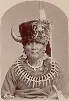 Mon-Chu-Non-Zhin or Ma-Chu-Nu-Zhe or Standing Bear by Charles Milton Bell Native American Warrior, Native American Beauty, Native American Tribes, Native American History, American Indians, Native Americans, Indian Tribes, Native Indian, Sioux