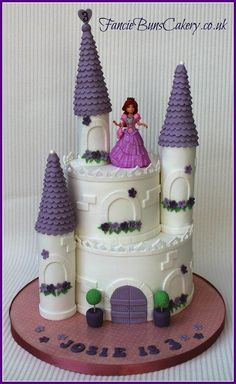 Princess Castle Birthday Cake - Cake by Fancie Buns