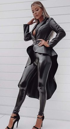 The Karla leather jacket features an asymmetric belted fit that is sure to make you stand out. Style our Karla jacket with your favorite pants and pumps for a sexy look! Leather Corset, Faux Leather Belts, Faux Leather Jackets, Leather Pants, Leggings Brilhantes, Shiny Leggings, Looks Pinterest, Leder Outfits, Sexy Latex