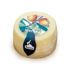 QUESO DE CABRA CON NÍSPERO Descubre nuestro queso de cabra con níspero en colaboración con Queronsa (queseria artesanal). Peso: 300 gramos.