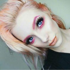 Makeup Inspo, Makeup Inspiration, Eye Makeup, Hair Makeup, Glitter Lipstick, Eye Details, Make Up Art, War Paint, Everyday Makeup