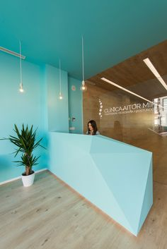 View the full picture gallery of Clinic Aitor Mira Clinic Interior Design, Clinic Design, Healthcare Design, Modern Interior Design, Medical Office Decor, Dental Office Design, Design Offices, Modern Offices, Dentist Clinic