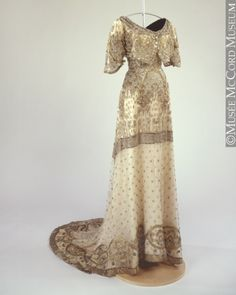 Dress ca. 1912 via The McCord Museum Repinned from Donani