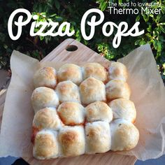 An easy but delicious lunch here today! These are like my pizza pockets but a bite size, pull apart version. GREAT for the kiddies and especially fo Lunchbox Kids, Thermomix Pan, Mulberry Recipes, Pizza Ball, Spagetti Recipe, Szechuan Recipes, Pizza Pockets, Hot Pockets, Recipes