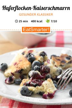 Oatmeal pancakes - Oatmeal Kaiserschmarrn – with blueberries – smarter – calories: 400 kcal – time: 25 min. Best Pancake Recipe Fluffy, Pancake Recipe With Yogurt, Clean Eating Pancakes, Pancake Healthy, Oatmeal Pancakes, Oatmeal Recipes, Calories, Health Desserts, Snacks