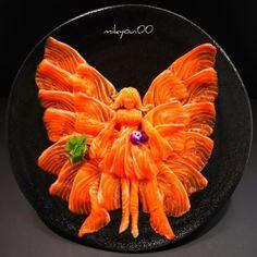 sosuperawesome: Sushi Art by on. Edible Food, Edible Art, Sashimi, Amazing Food Art, Sushi Love, Food Carving, Sushi Art, Culinary Arts, Creative Food