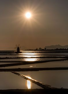 Sunset, Saline di Marsala, Sicily by Europe Trotter / 500px (Italy)