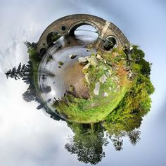 David Jackson, a British photographer, uses a technique called stereographic projection to turn landscapes and familiar landmarks into mini planets. Stereographic projection is a form of digital processing that shows a 360-degree spherical panorama as a flat image.