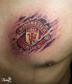 All You Need To Know About Football. Football is a game for giants. Football is made up of physically tough people, but also mentally tough ones too. Back Tattoos, Body Art Tattoos, Cool Tattoos, Tatoos, Modern Tattoos, Soccer Tattoos, Sport Tattoos, Football Tattoo, Man Utd Tattoo
