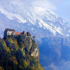 Bled Castle by Pilar Azaña, via Flickr