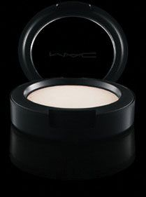 MAC Cream Colour Base Highlighter