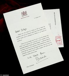 The hand-signed note, on Kensington Palace-headed paper, was dated August 11, 1997 and sen... http://dailym.ai/1mHQKva#i-ac780e85