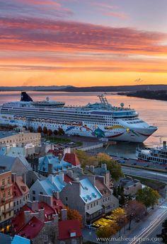 Bateau de croisière au Vieux-Port de Québec // Cruise ship in the Québec City Old Port #quebecregion