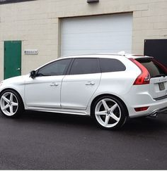 A nice XC60 getting the white treatment. Looks good!