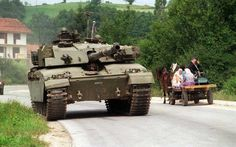 British Challenger 1 belonging to IFOR in Bosnia, 1996 Army Vehicles, Armored Vehicles, British Armed Forces, British Army, British Tanks, Photo Images, Armored Fighting Vehicle, New Tank, World Of Tanks
